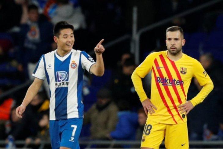 Pesepak bola China Wu Lei positif COVID-19