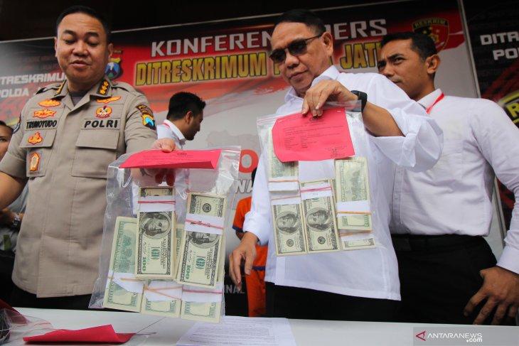 Kasus peredaran uang dolar Amerika Serikat Palsu