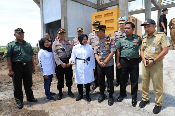 Antisipasi banjir, Risma bersama Kapolrestabes Surabaya cek rumah pompa