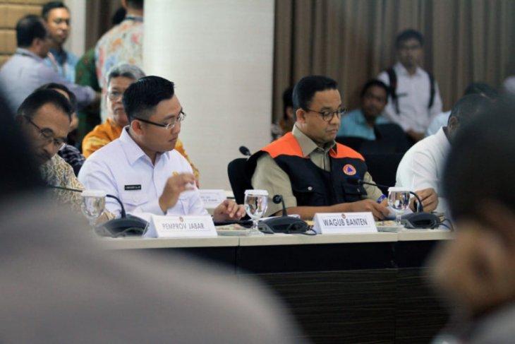 Wagub Banten Andika Hazrumy  pastikan layanan dasar bagi korban banjir terpenuhi