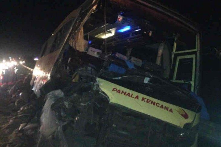 Polisi mengidentifikasi korban tewas kecelakaan di Tol Cipali
