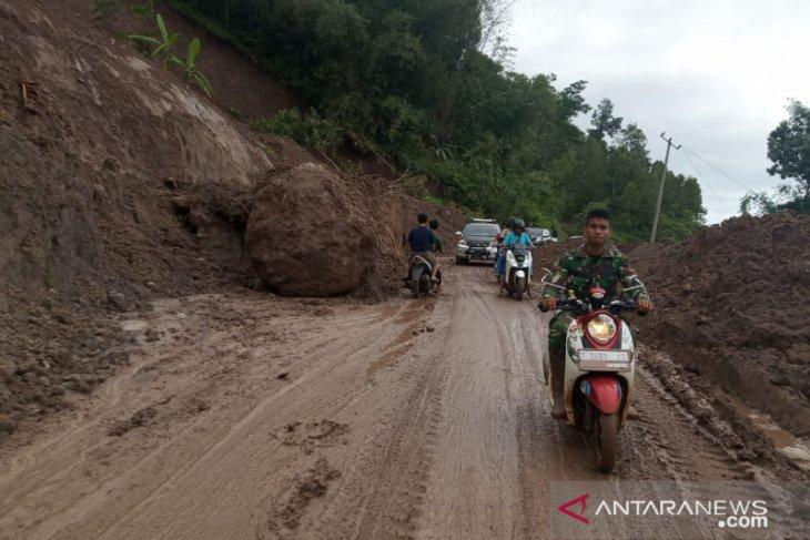 Longsor Sukajaya Bogor, akses desa terisolasi mulai terbuka