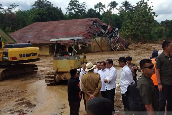 Jokowi instructs local authority to halt illegal mining in Banten