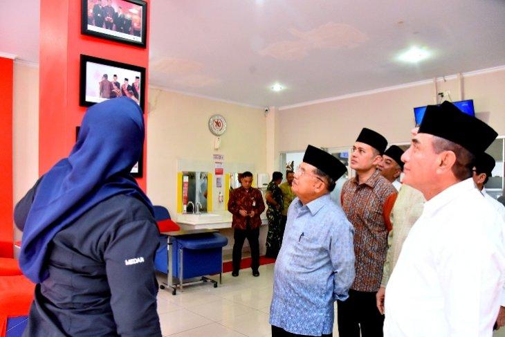 Jusuf Kalla tinjau markas PMI Sumut di Medan