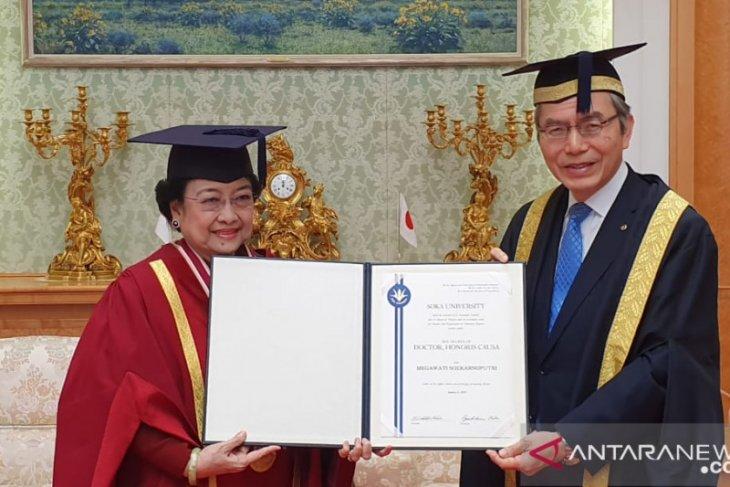 Megawati terima gelar doktor kehormatan dari Jepang