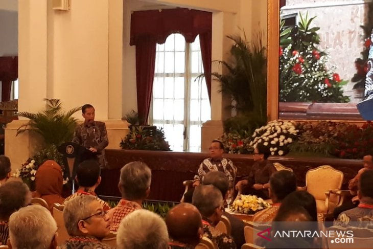 President Jokowi urges ambassadors to boost economic diplomacy