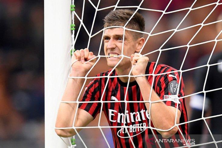 Spurs dan AC Milan sepakati transfer Piatek