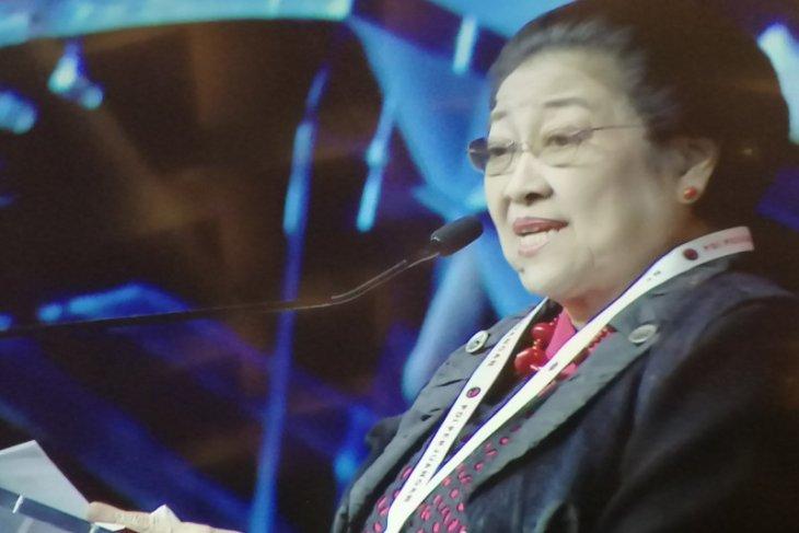 Megawati ingatkan kadernya agar tak ambil keuntungan pribadi