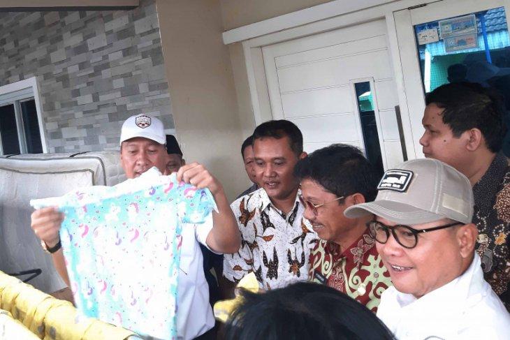 Warga Tangerang korban banjir dapat bantuan dari Kemenperin