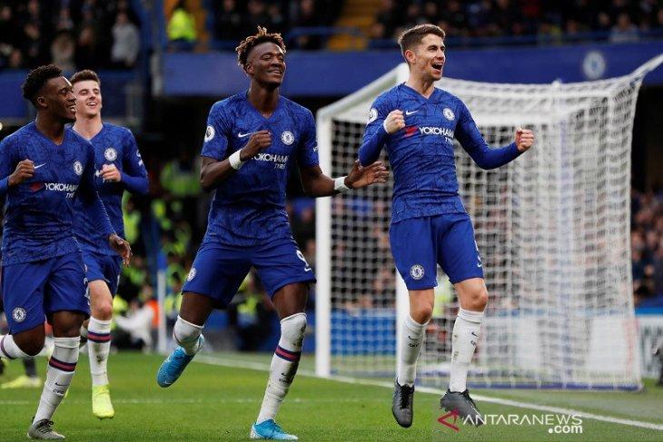 Liga Inggris - Chelsea lumat Burnley 3-0 tanpa balas