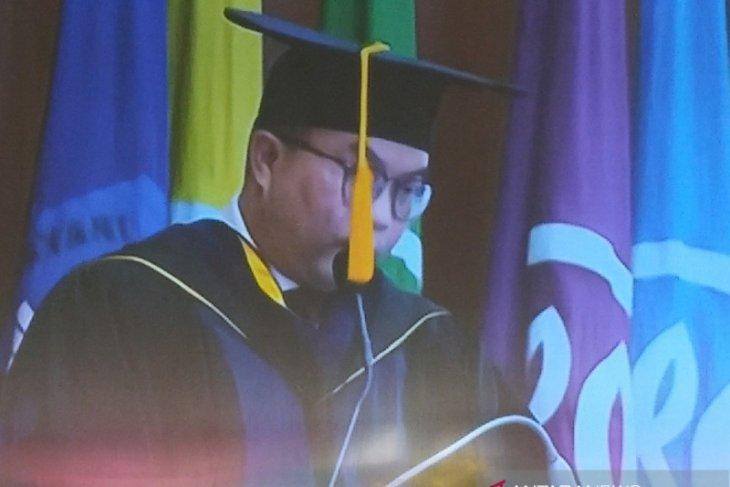 Arif Satria sampaikan orasi ilmiah  soal ekologi modern dan politik
