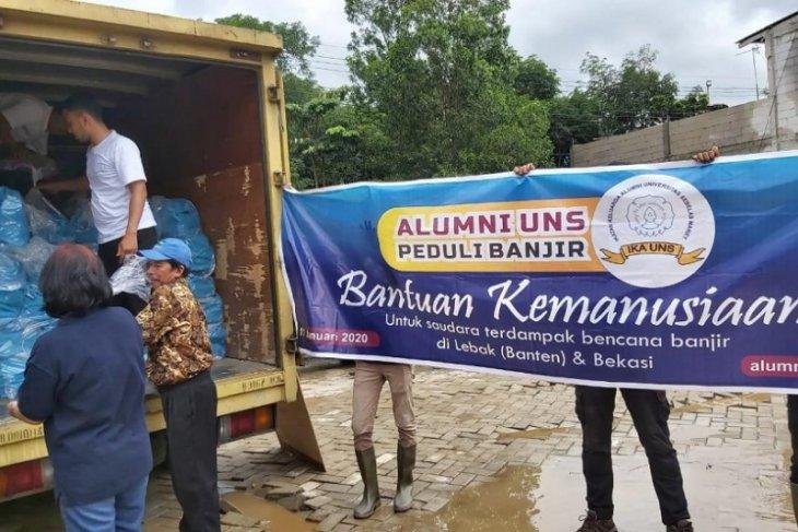 IKA UNS salurkan bantuan untuk korban banjir Lebak