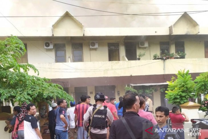 Asrama polisi Wisma Segara terbakar