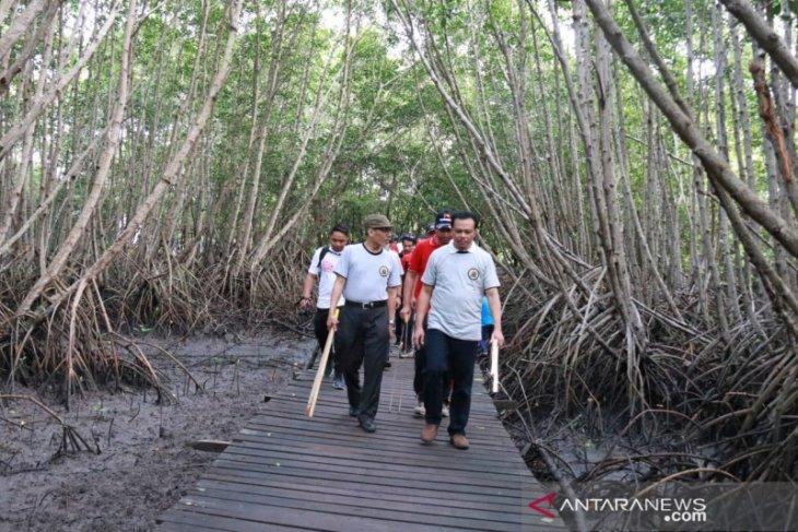 Sekda Bali apresiasi BPK ikuti program Bali Resik Sampah Plastik