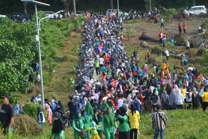 Ribuan masyarakat di Langsa gelar gotong royong massal