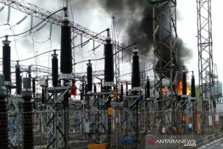Gardu listrik milik PLN terbakar Jumat dini hari