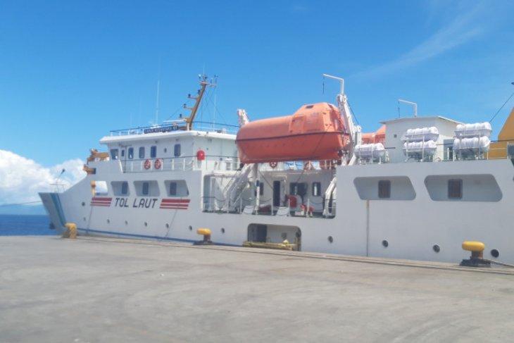 Tol Laut angkut VCO perdana dari Maluku Utara ke Pulau Jawa