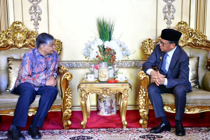 S Sulawesi explores silk industry cooperation with India