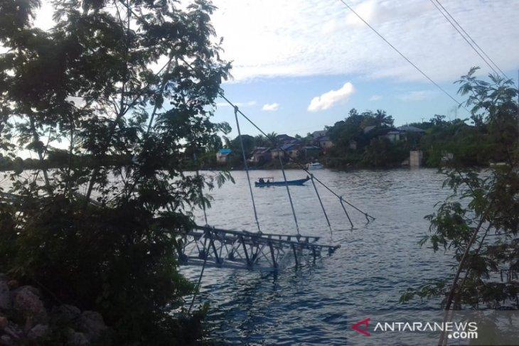 Rangka jembatan gantung Faer ambruk Kontraktor akui lalai