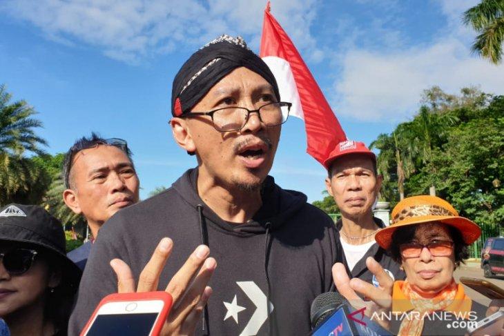 Abu Janda minta Anies teruskan normalisasi Ciliwung peninggalan Ahok, bukan pencitraan