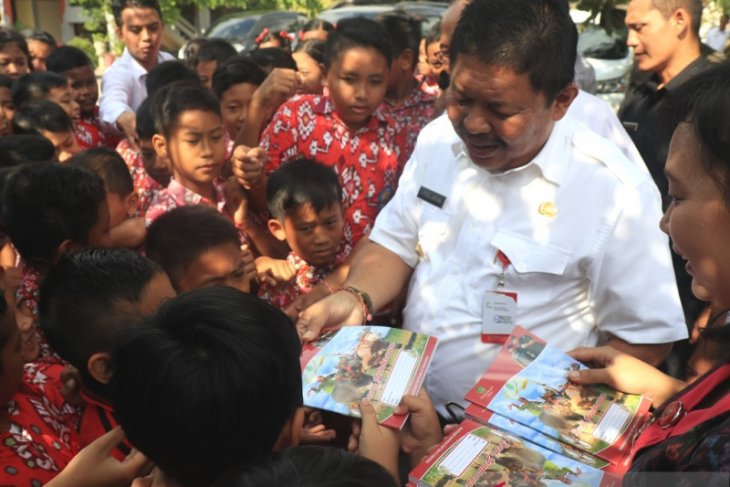 Bupati Jembrana minta bantuan dana pusat dikoordinasikan dengan kabupaten