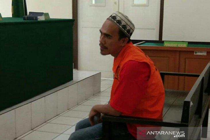 Otak pembunuhan sopir taksi daring, Akbar Al Faris dituntut hukuman mati