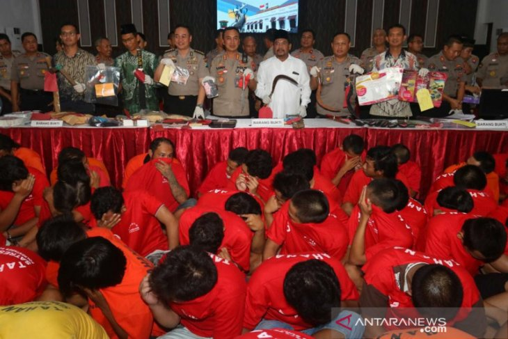 Puluhan bandit ditangkap polisi Surabaya selama dua pekan