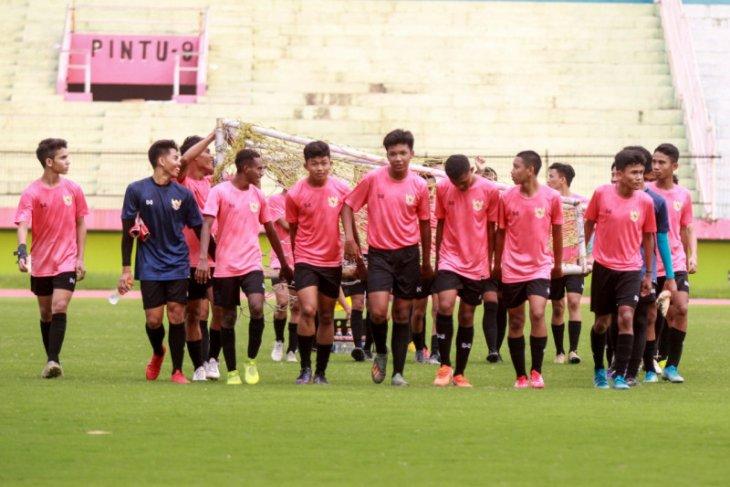 Timnas U16 mulai latihan di Stadion Sidoarjo