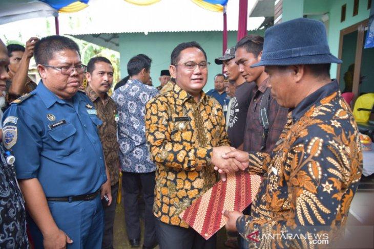 685 nelayan Bekasi terima Surat Tanda Kebangsaan Kapal