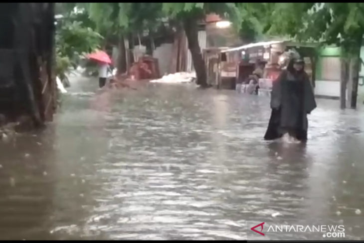 Jakarta hujan, puluhan rumah di Kebon Jeruk terendam