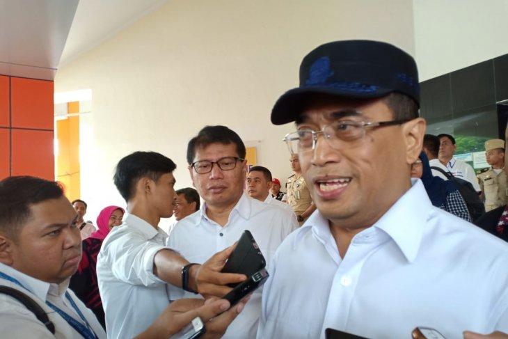 Transportation minister observes Labuan Bajo infrastructure readiness