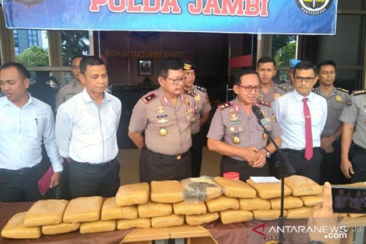 Polisi ungkap gudang sekolah jadi penyimpanan 29 kg ganja