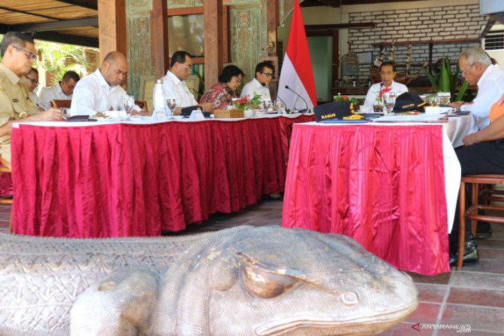 Locals should avail benefits of Labuan Bajo's development: Jokowi
