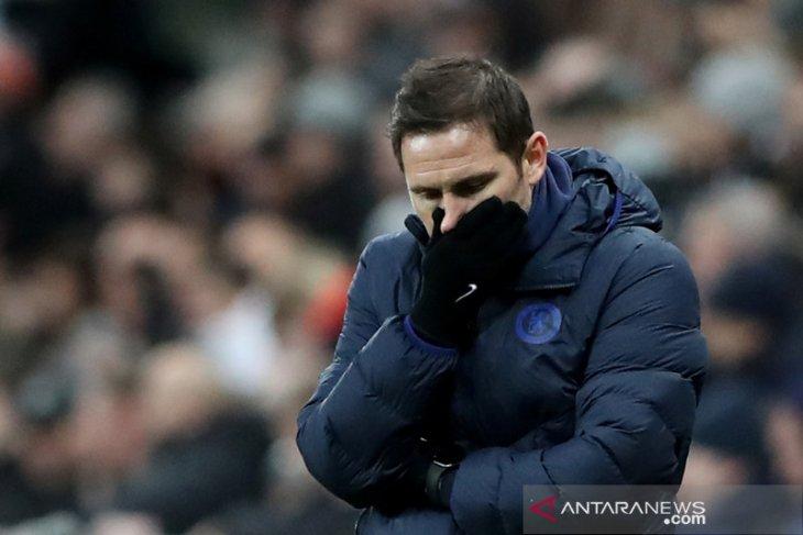 Frank Lampard akan evaluasi kiper Chelsea di akhir musim
