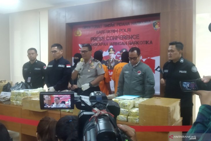 Indonesian police thwart attempt to smuggle 70 kg crystal meth