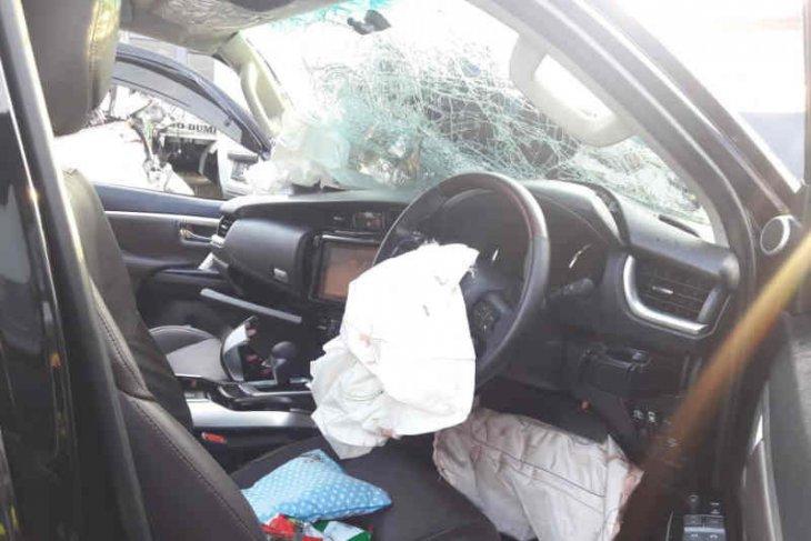 Fortuner tabrak belakang truk di Cipali akibatkan balita tewas