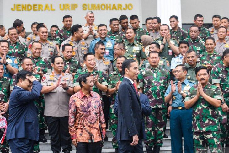Pekan depan, Presiden Jokowi agendakan rapat terbatas bahas alutsista di Surabaya