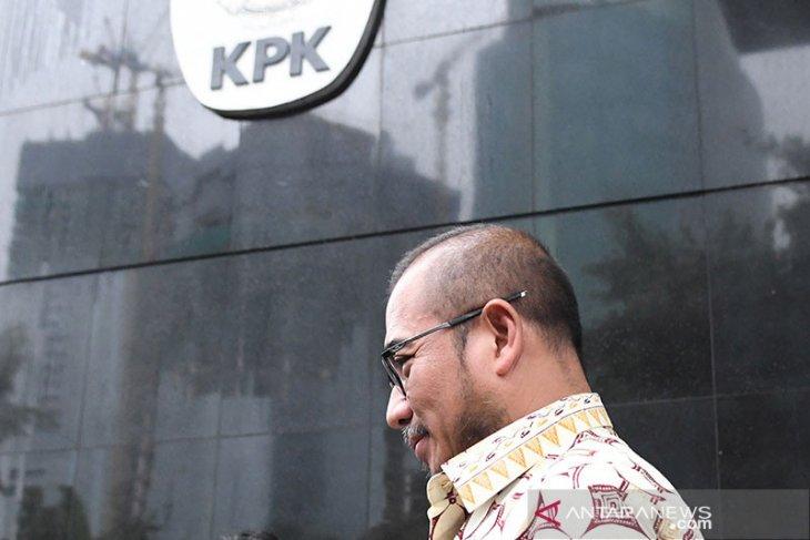 Komisioner KPU Hasyim Asy'ari diperiksa soal tugas di KPU terkait dugaan suap PAW