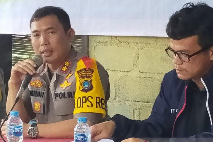 Polres Bangka Barat salurkan bantuan kepada penderita atelektasis