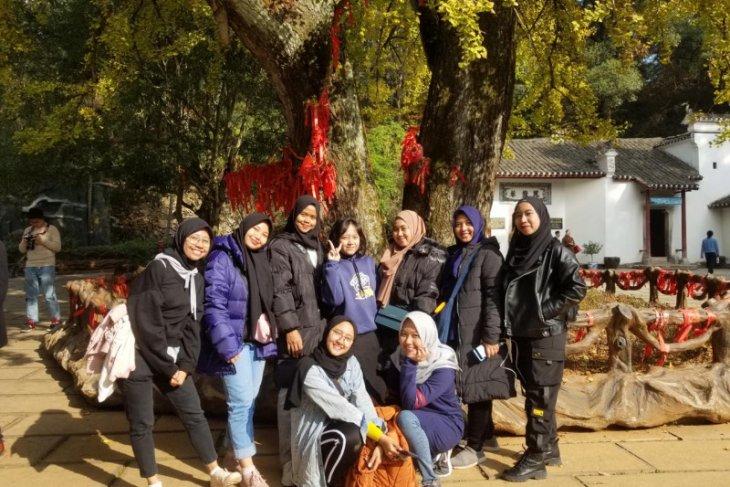 Diisolasi, 12 mahasiswa Unesa di China belum diizinkan keluar asrama