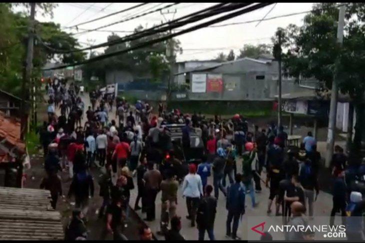Pascabentrok dua ormas polisi jaga di perbatasan Sukabumi-Cianjur