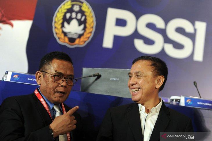 Legenda timnas Ferril Hattu minta PSSI tetap solid kawal prestasi