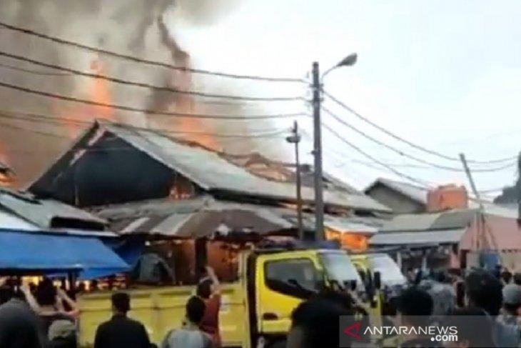 Pasar Induk Caringin Kota Bandung terbakar