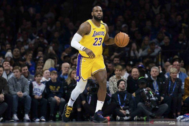 Kartu basket LeBron James terjual harga Rp27,2 miliar
