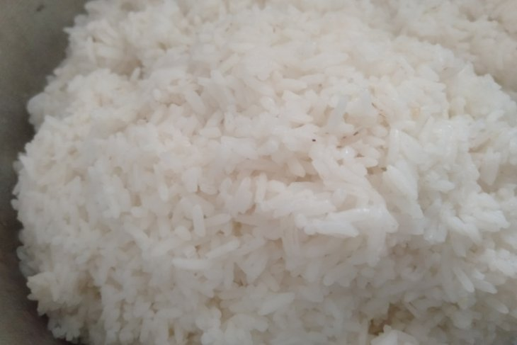 Baristand Ambon uji sampel beras diduga mengandung plastik