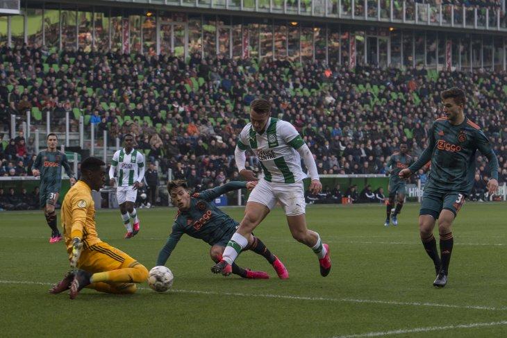 Ajax kalah di kandang Groningen