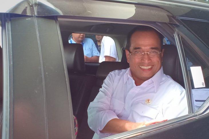 Transport Minister to inspect Soekarno-Hatta's runway 3
