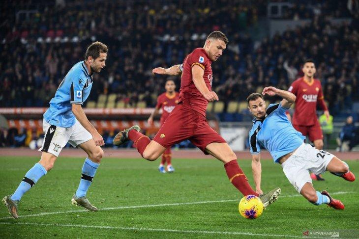 Roma akhiri catatan 11  kemenangan beruntun Lazio