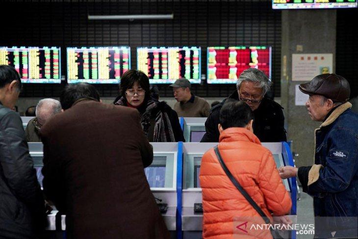 Saham China menguat karena sektor konsumen dan perawatan kesehatan