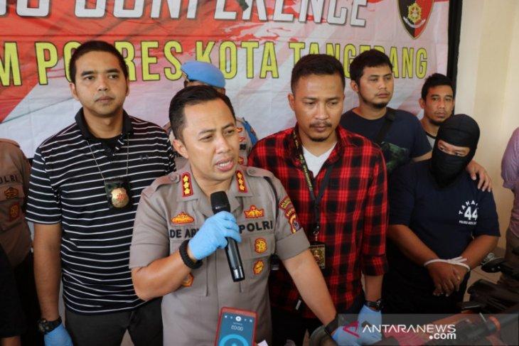 Polresta Tangerang tangkap karyawan BUMN rakit senjata api